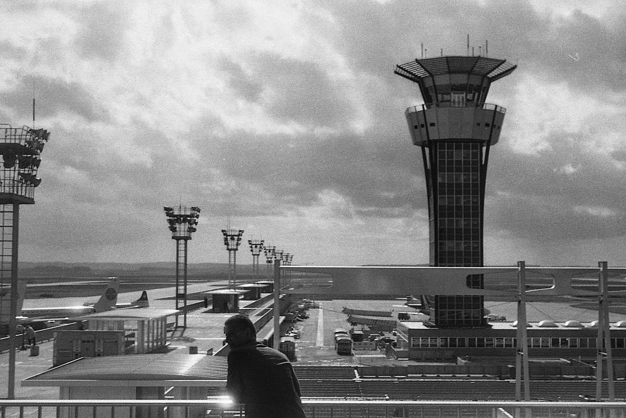 Photo: Orly Airport (circa 1965) By HZ via Wikimedia Commons (public domain) http://commons.wikimedia.org/wiki/File:OrlyAirport_-1965.jpg  『勝手にしやがれ』 http://inagara.octsky.net/katteni-siyagare