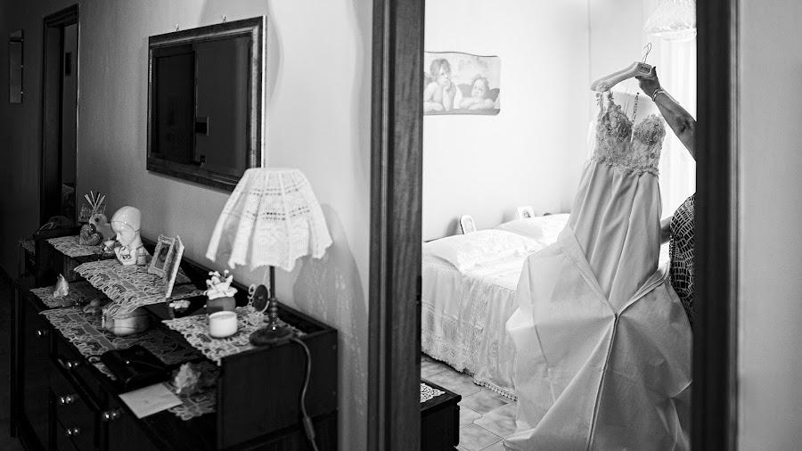 Wedding photographer Leonardo Scarriglia (leonardoscarrig). Photo of 19.11.2019