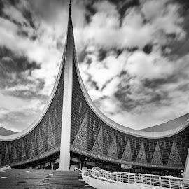 Mesjid Raya Sumatera Barat by Henry Suwardi - Buildings & Architecture Places of Worship
