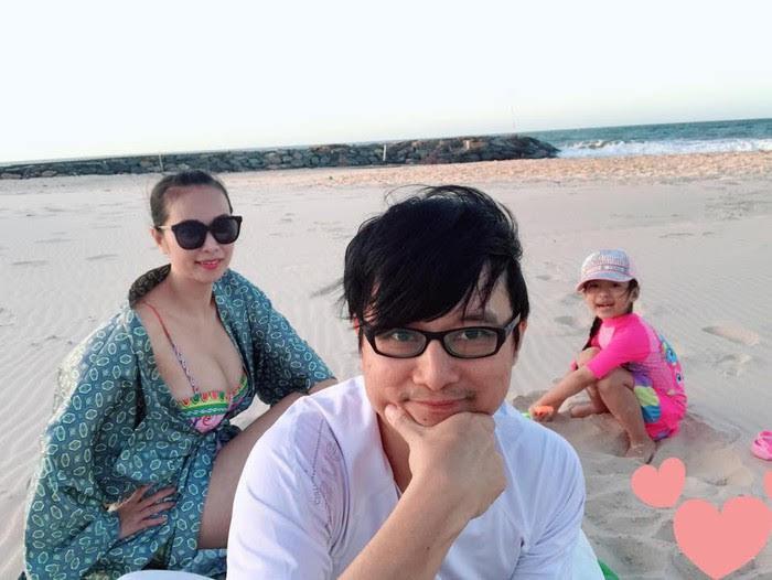 Lê Kiều Như là một trong những số ít mỹ nhân thị phi có cuộc sống hôn nhân viên mãn. Trên trang cá nhân, cô có chia sẻ những khoảnh khắc gia đình hạnh phúc, cùng nhau trải qua sinh hoạt đời thường, đôi lúc lại đi du lịch.