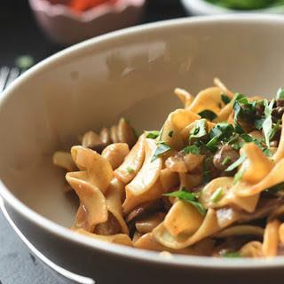 Easy Mushroom Stroganoff [Vegan]