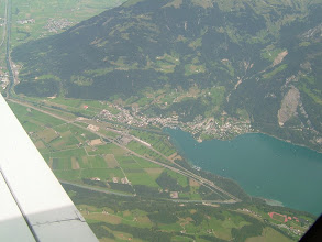 Photo: Walensee and the town of Weesen http://www.swiss-flight.net