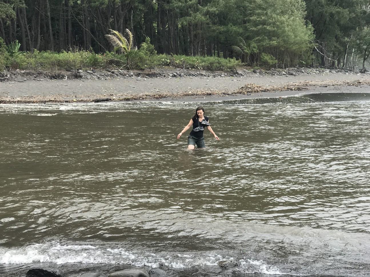Traversée du Waipio Stream
