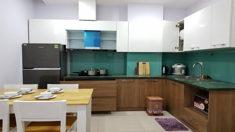 Two bedroom apartment in Au Co street, Tay Ho district for rent