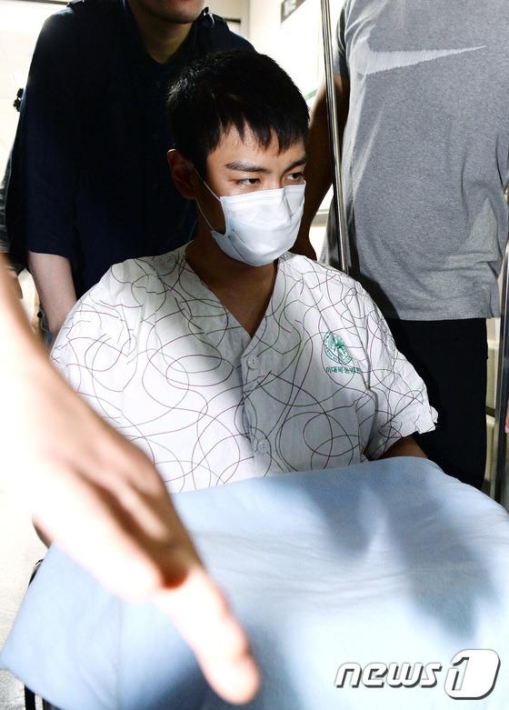 Top-Leaving-Hospital-9
