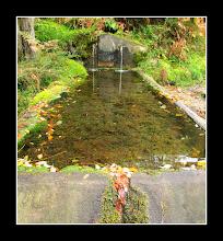 Photo: Fuente de dos caños en Vallualto.