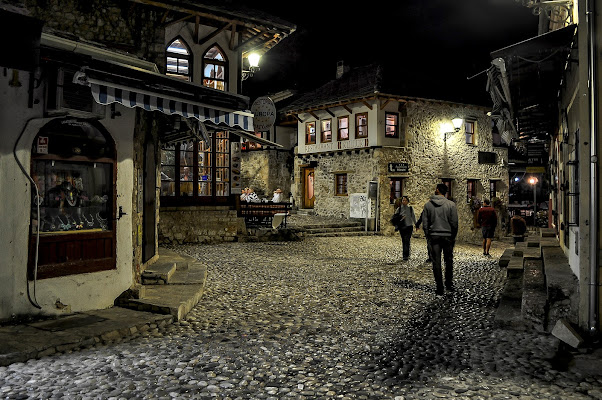 passeggiata serale a Mostar di kaos