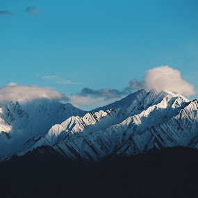 Live for the moments You can't put into words ! by Jay Thakore - Landscapes Mountains & Hills ( canon, mountains, landscape photography, canon700d, india, ladakh, landscapes )