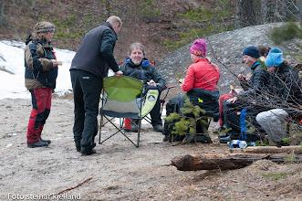Photo: Helle, Gerhard, Geir, Laila, Hanne, Tanja og Kristin på sporgruppa har spisepause.