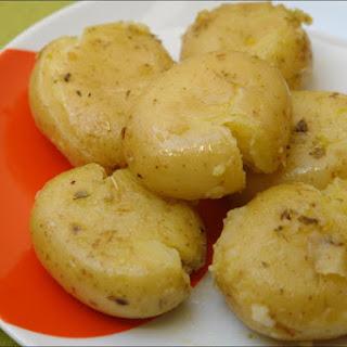 Potatoes with Garlic and Oregano Recipe