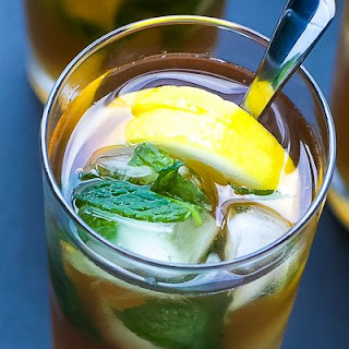 Cold Brewed Iced Tea Lemonade With Mint Ice Cubes