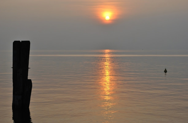 Il tramonto sul lago di sweetfabri