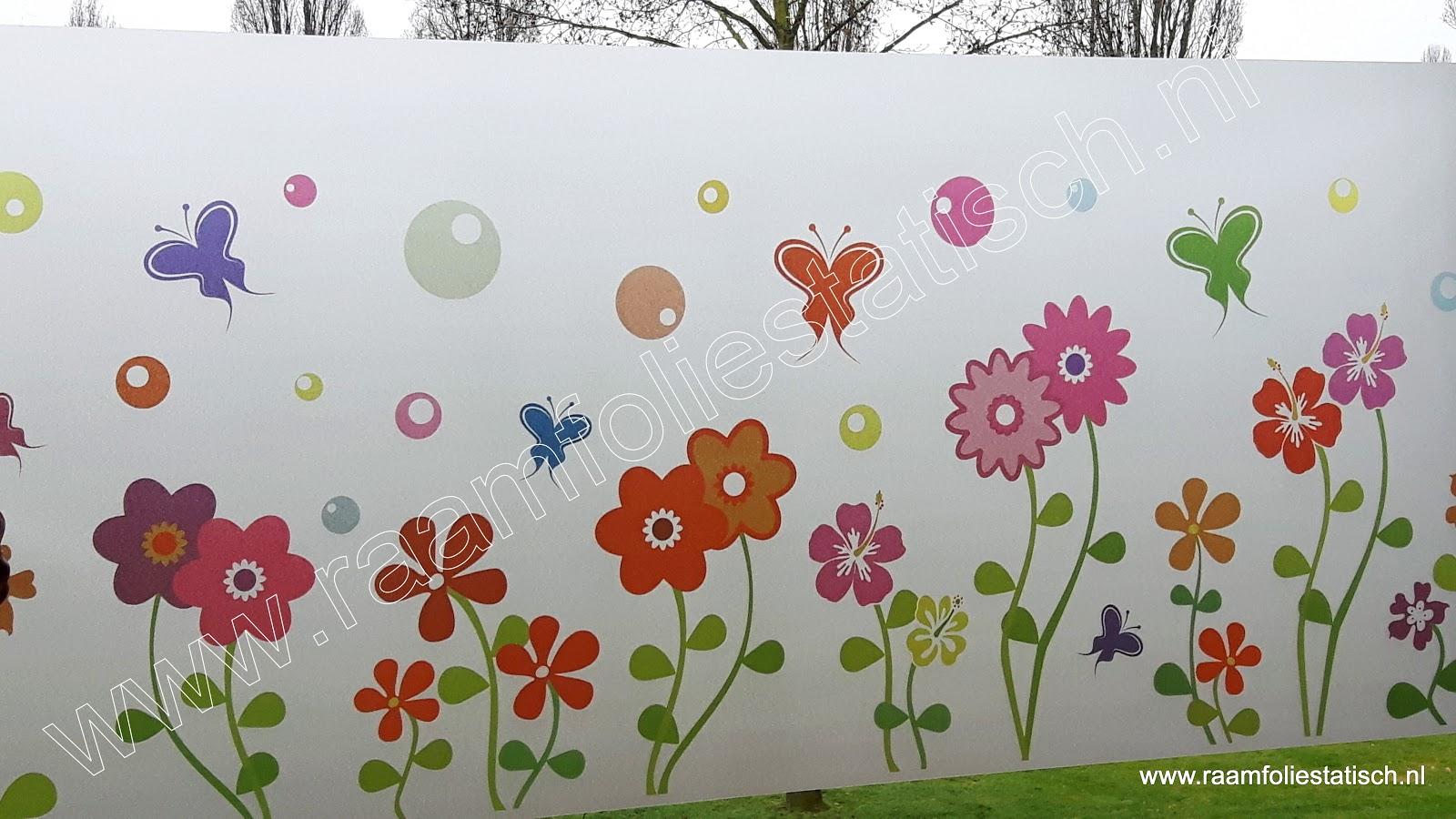 Statische raamfolie bloemen en vlinders kleur kopen?