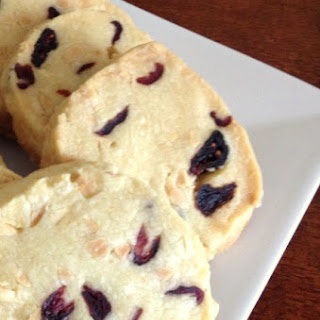 Shortbread Cookies with Almonds and Cranberries