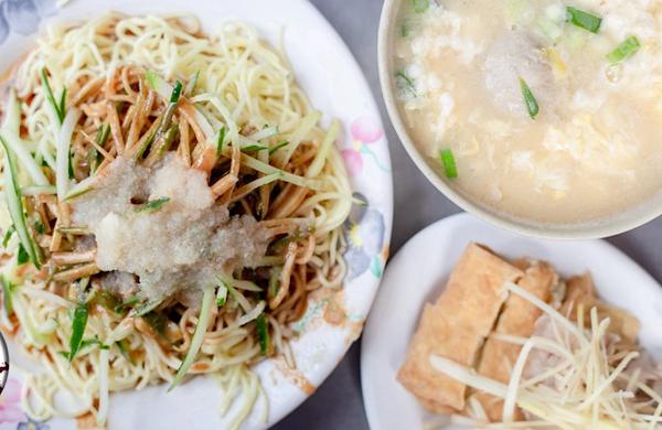 涼州街無名涼麵|巷弄內黑白切小菜好吃的台北涼麵小吃