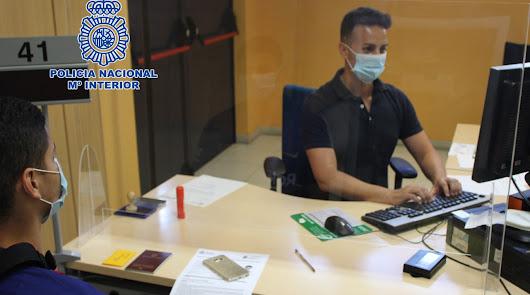 La Oficina de Extranjería de la Policía Nacional en Almería amplia su horario, al igual que el número de citas previas establecidas por día.