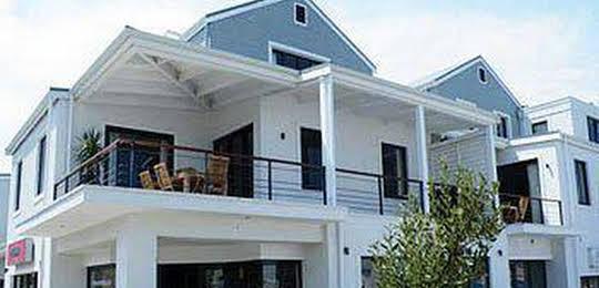 Marine Square Luxury Holiday Suites