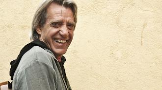 Luis Pastor sonriendo en una foto de archivo.