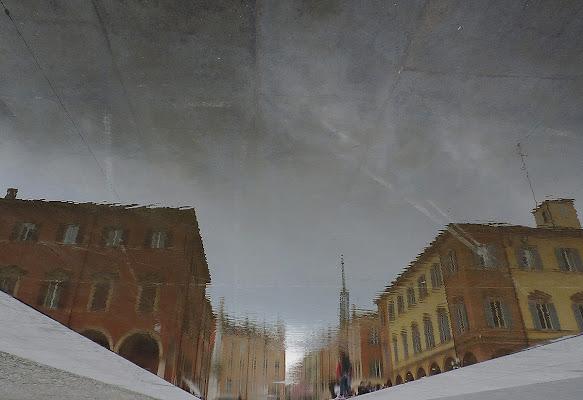 Modena Piazza Roma riflesso nell'acqua di giancarlo65