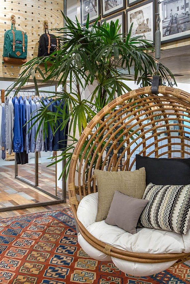 Thiết kế shop thời trang kết hợp quán cafe - thiết kế shop quần áo 10