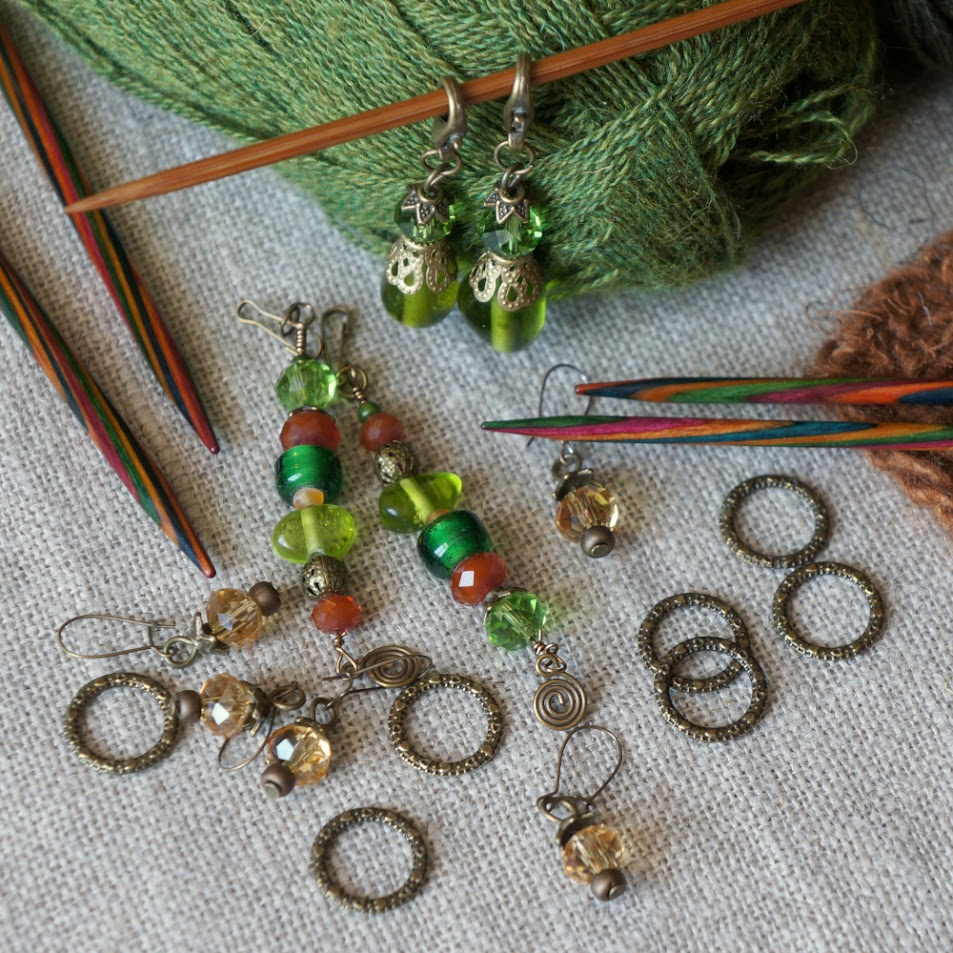 Blue faceted glass bead stitch markers {tettidesign}