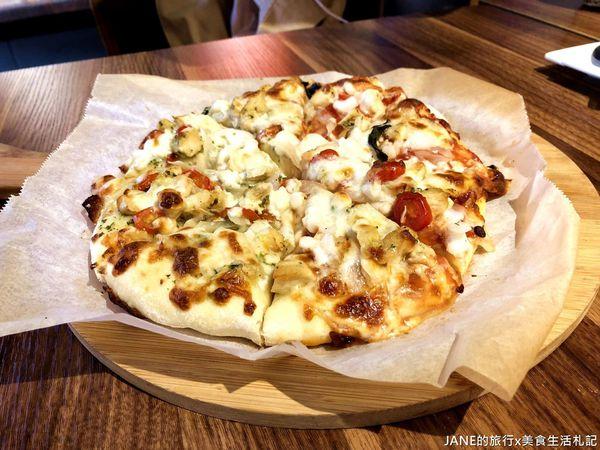 漾漾好時基隆店|有趣手工pizza DIY|舒芙蕾鐵鍋鬆餅DIY|餐點多樣化