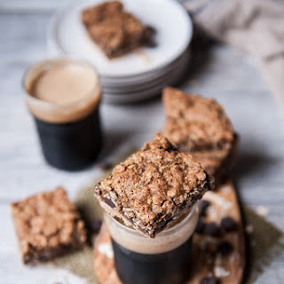 Oatmeal Stout Chocolate Chip Cookie Bars Recipe