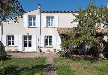 maison à Saint-Froult (17)
