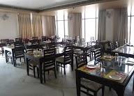 The Royal - Restaurant And Bar photo 7