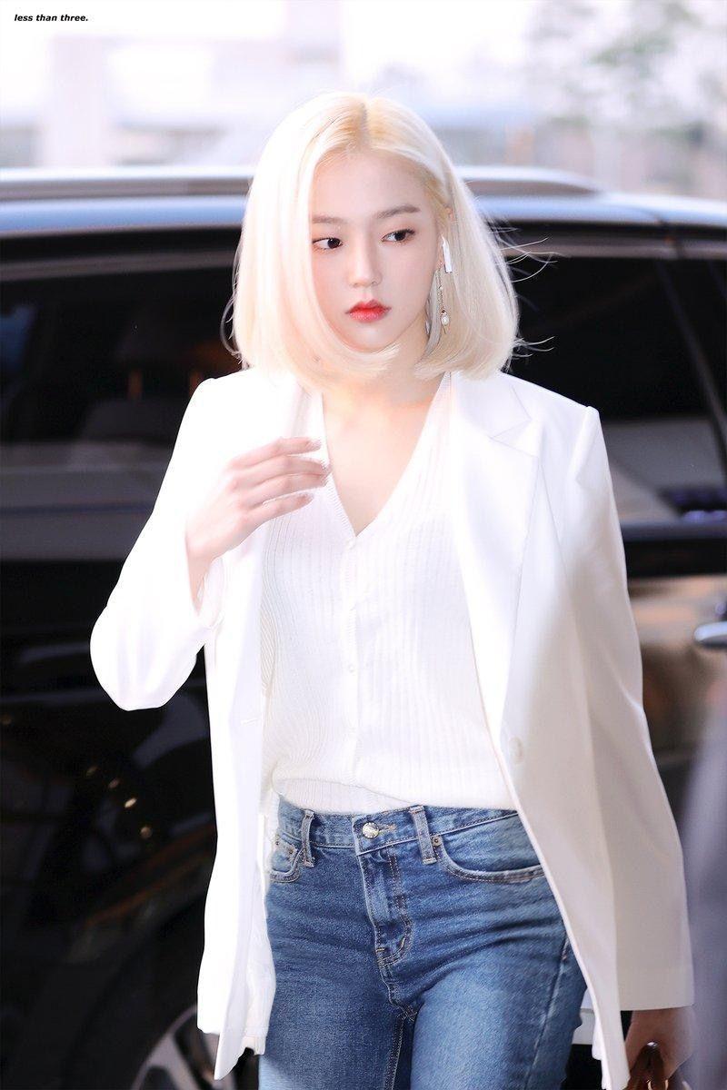 yeeun suit 32