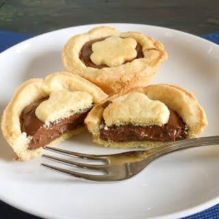 Crostatine con Nutella (tarts with nutella).