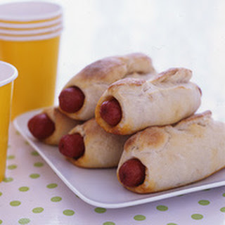 Chili-Cheese Dogs in Beach Blankets.