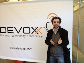 Photo: Eric Bottard signed his contract with VMware the first day of Devoxx France