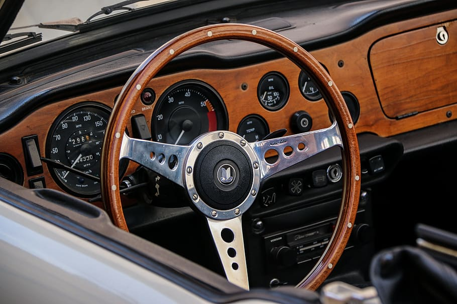 9 Classic Cars You Should Absolutely Rent