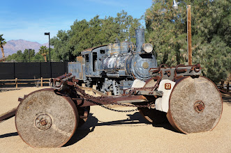 Photo: Background: 60-Ton Oil Burning Baldwin 280 Engine built in 1916