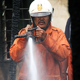 Fireman by Steven De Siow - People Professional People ( firefighter, professional people, fireman, people, professional photography,  )