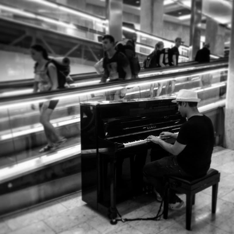 Musica in stazione  di Alessandro Ibba