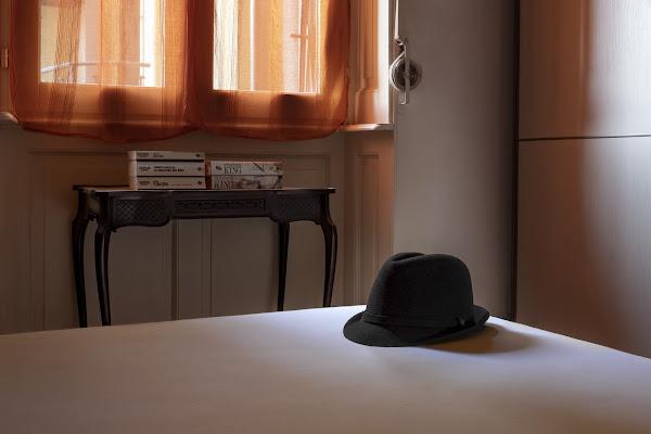 Il cappello sul letto di wallyci