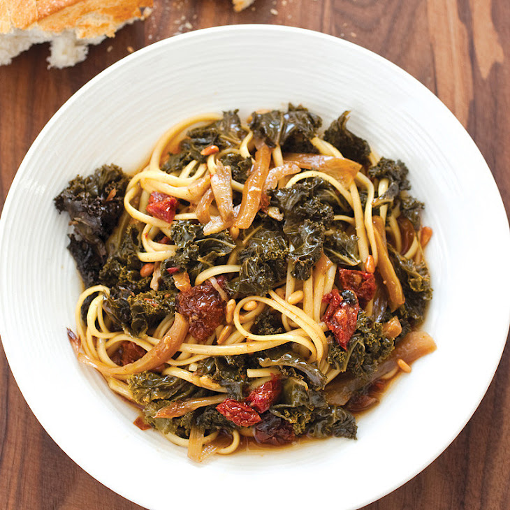 Slow-Cooker Rustic Kale, Fennel, and Sun-Dried Tomato Sauce Recipe