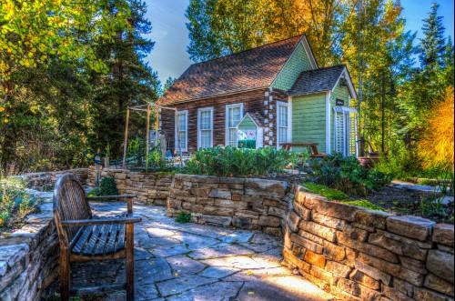tiny home in backyard