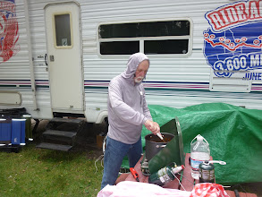 Photo: Day 19 Dubois to Riverton 79 miles 1410' climbing: Dave, cooking spaghetti for dinner