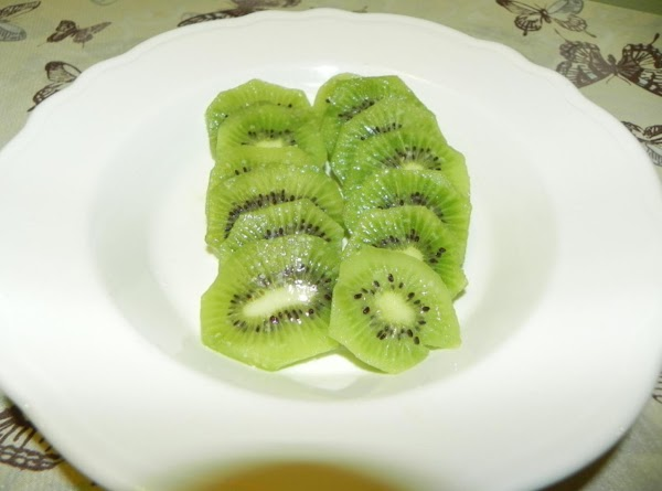 I LOVE, LOVE, LOVE Kiwi, but not everyone does.  So, I only did...