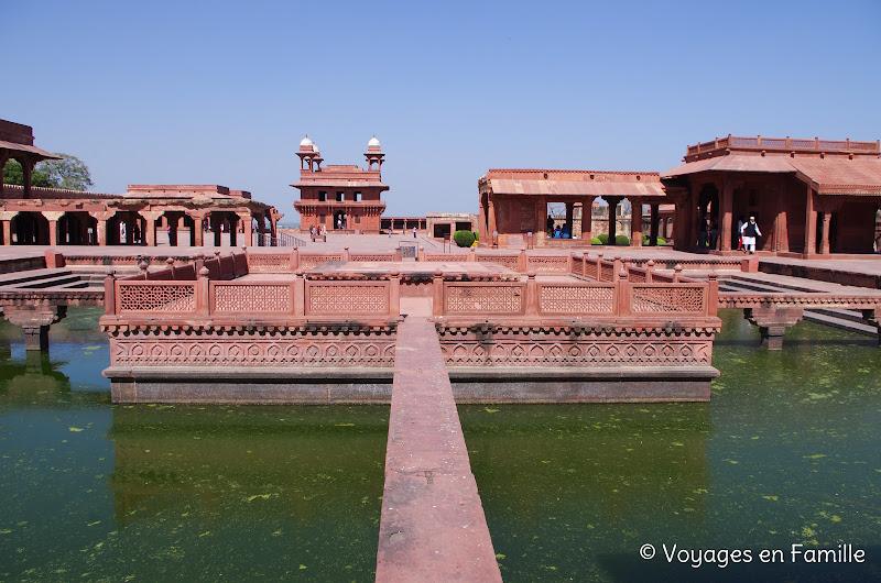 Fatehpur Sikri, bassin ornement