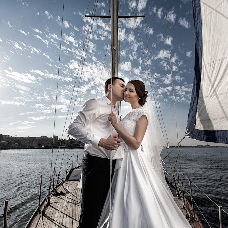 Wedding photographer Viktor Krutickiy (krutitsky). Photo of 22.02.2018