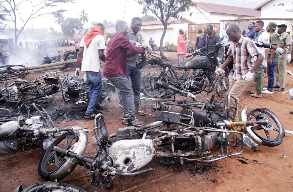 Tanzanië treur oor 69 dood in die ontploffing van brandstoftenks
