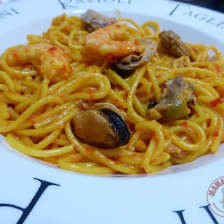 Spaghetti with Prawns and Mussels.