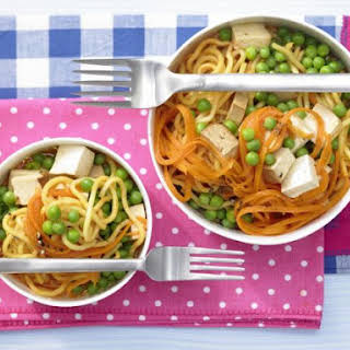Carrot Udon Stew with Peas.