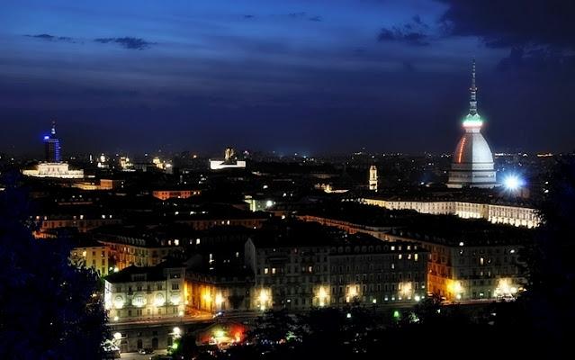 TORINO BY NIGHT di Paolo Scabbia