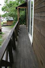 Photo: 裏手の広いテラスまでつながっています。 通往里面更宽的露台 connecting to the wider terrace inside