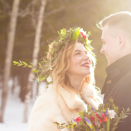 Wedding photographer Marina Manzhulo (Manzhi22). Photo of 29.03.2016